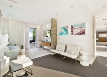 villa for let les salins st tropez villa casa a living area
