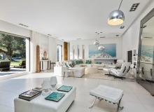 villa for rent les salins st tropez villa casa a living room