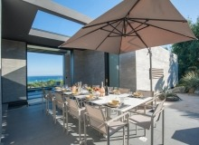villa for rent pampelonne beach vertige outdoor dining area