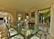 villa for rent in pampelonne villa sassari dining area