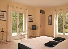 let villa ramatuelle bedroom