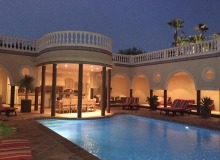 villa for rent st tropez route des plages karla inner patio