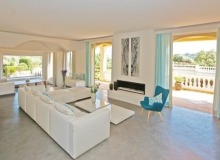villa for let st tropez route des plages karla living room