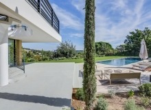 villa for sale st tropez belle isnarde amabelisna terrace