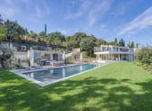 villa amabelisna for rent st tropez belle isnarde - garden and pool