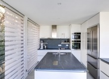 villa for sale st tropez belle isnarde amabelisna kitchen
