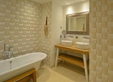 villa for rent st tropez les marres luxe bathroom