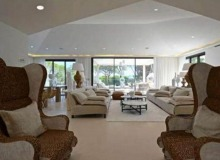 villa for rent st tropez les marres luxe living room