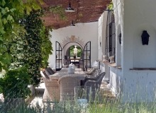 villa for rent les parcs de st tropez hacienda outdoor dining area