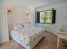 rent villa les parcs de st tropez hacienda bedroom
