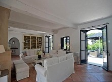 villa for let les parcs de st tropez hacienda living area