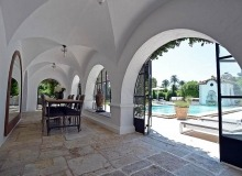 villa for let les parcs de st tropez hacienda covered terrace