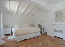 holiday rental les parcs de st tropez hacienda bedroom