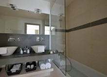 villa for rent escalet flamingo bathroom
