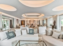 villa for rent les parcs de st tropez cosmos living room