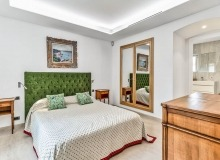 villa for let les parcs de st tropez cosmos guest bedroom