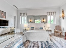 villa for let les parcs de st tropez cosmos master bedroom