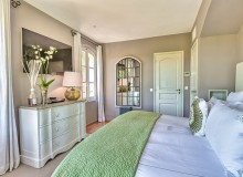 villa for let perla route des plages st tropez bedroom