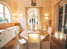 villa for sale white parrot les parcs st tropez dining area