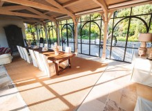 villa for rent white parrot les parcs st tropez dining area