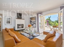 Luxury Family Villa Cap Bastide for Rent in Saint Tropez - living room with the access to the swimming pool