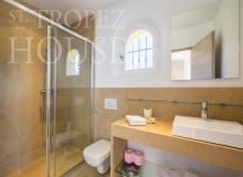 Luxury Family Villa Cap Bastide for Rent in Saint Tropez - bathroom 2