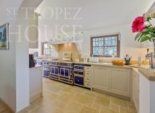 Luxury Sea Side Villa Vieilles Pierres in Saint Tropez - kitchen
