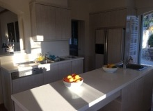 rent villa les parcs de saint tropez escandihade kitchen