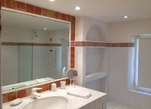 rent villa les parcs de saint tropez escandihade bathroom
