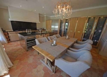 Rent Villa Angelia St Tropez - dinning room with TV