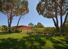 Rent Villa Angelia St Tropez - garden space