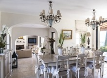 villa for rent route des plages st tropez mandalaure dining area