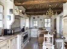 villa for rent route des plages st tropez mandalaure kitchen