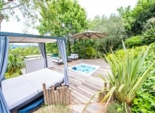 Villa Elegante in Pampelonne - lounge with jacuzzi