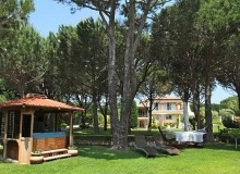 st tropez luxury villa for rent_garden